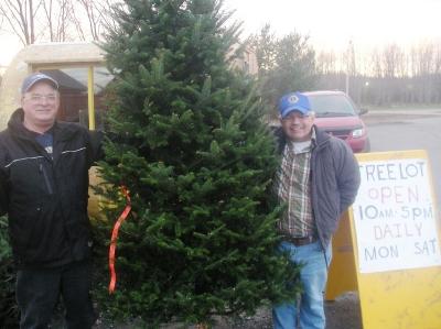 Lion Allan & Lion Bucky Christmas Tree Project 2010
