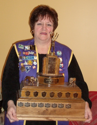 PKL Dallas Moore with her Best President District N Trophy for 2009-2010